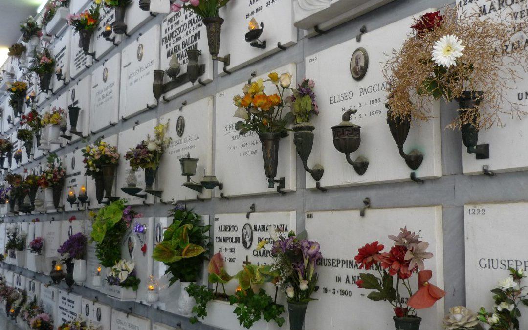 Pogrzeb tradycyjny czy kremacja – usługi pogrzebowe w Kielcach